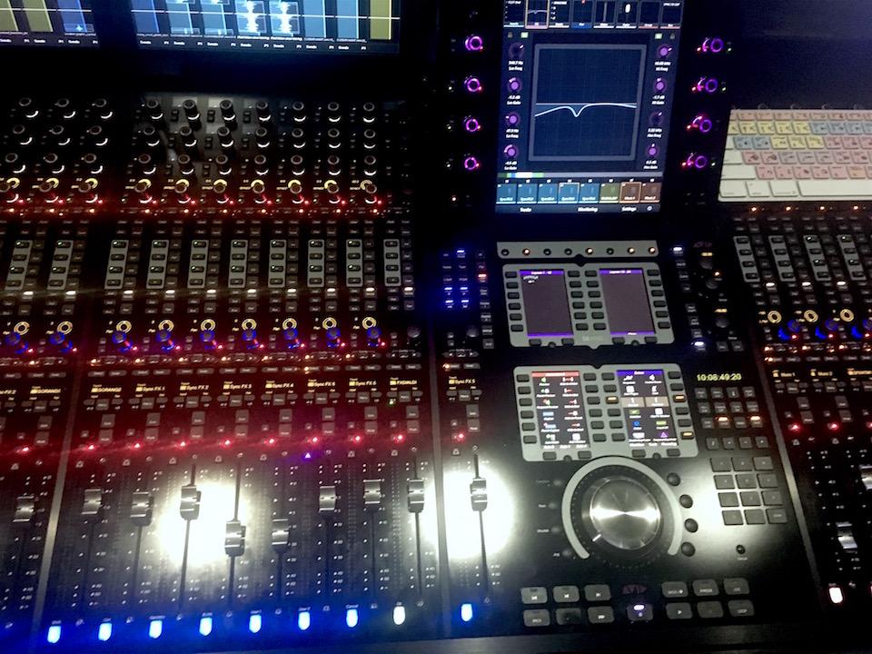 Directors cut S6 mixing desk